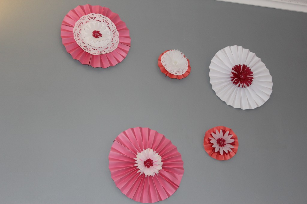 How to make these cute Wall Flowers out of scrapbook paper for under $10.00