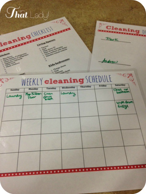 Print off these 3 free weekly cleaning printables!